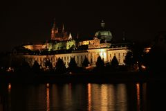 Het kasteel van Praag, Vltava-rivier, Tsjechische republiek Stock Fotografie