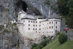 Het kasteel van Predjama stock foto