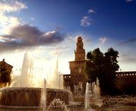 Het kasteel van Sforzesco, Milaan, Italië stock foto's