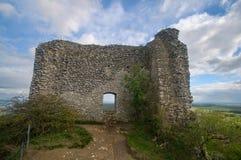 Het kasteel van Sirotci van het ruïnekasteel hradek in Tsjechische republiek Royalty-vrije Stock Afbeelding
