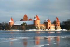 Het kasteel van Trakai in wintertijd Stock Fotografie