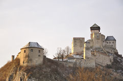Het kasteel van Trencin stock afbeeldingen