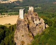 Het kasteel van Trosky - luchtfoto Stock Fotografie