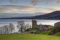 Het Kasteel van Urqhart en Loch Ness Stock Foto