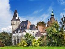 Het kasteel van Vajdahunyad in Boedapest Stock Afbeeldingen