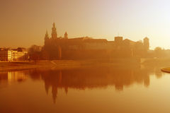 Het Kasteel van Wawel tijdens zonsopgang royalty-vrije stock foto