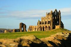 Het kasteel van Whitbyaddey in Engeland van hoofdweg Stock Fotografie