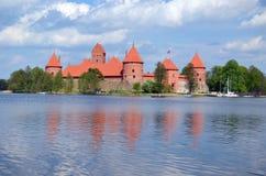 Het kasteelGalve van Trakai meer in Litouwen. XIV - XV Royalty-vrije Stock Afbeelding