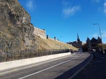 Het kasteelstraat van Edinburgh het lopen weekends Stock Fotografie