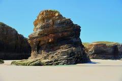 Het kathedralenstrand met de rotsen erosioned door de actie van het overzees Royalty-vrije Stock Afbeelding