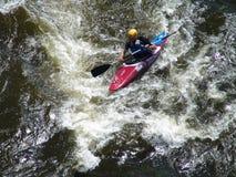 Het kayaking van de stroomversnelling Royalty-vrije Stock Fotografie