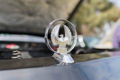 Het Keizer 1966 ornament van Chrysler op vertoning Stock Afbeelding