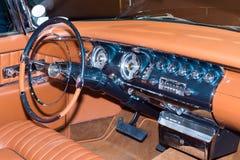 1955 het Keizerdashboard van Chrysler bij SEMA Stock Foto