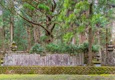 Het Kerkhofgebied van de Okunointempel wirh bij Koyasan-berg Koya in W Stock Foto