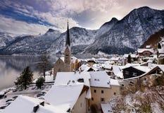 Het Kerstmisdorp van Hallstatt in de Oostenrijkse Alpen royalty-vrije stock foto