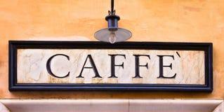 Het kielzog omhoog en ruikt coffe! stock afbeeldingen