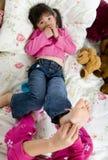 Het kietelen van voeten Royalty-vrije Stock Afbeeldingen