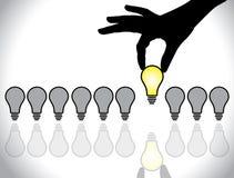 Het kiezen van het beste idee lightbulb concept Stock Foto