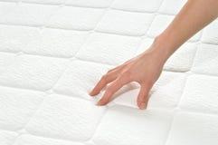 Het kiezen van matras en bed Stock Afbeelding