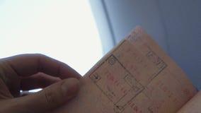 Het kijken door het paspoort