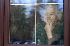 Het kijken door het venster Royalty-vrije Stock Fotografie
