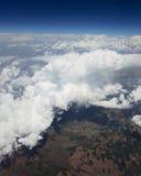 Het kijken door venstervliegtuigen. Royalty-vrije Stock Foto