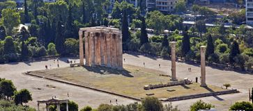 Het kijken neer op de Tempel van Zeus ` stock afbeelding