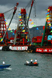Het kijken onderaan Hong Kong Dragon Boat Carnival Royalty-vrije Stock Foto's