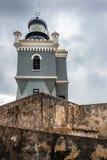 Het kijken op mening van de vuurtoren in Castillo San Felipe del Mor Stock Foto's