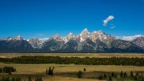 Grand Teton die uit eruit zien Royalty-vrije Stock Afbeeldingen