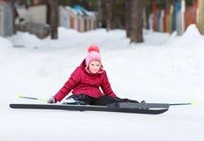 Het kind gaat ski?end Stock Foto
