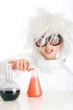 Het kind kleedde zich als gekke wetenschapper Stock Foto