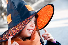Het kind kleedde zich omhoog voor Halloween Stock Afbeelding