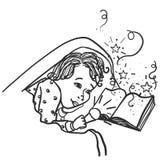 Het kind onder de dekking met een flitslicht die een boek, dromen, sprookje lezen komt aan het leven, magische kinderjarendromen, royalty-vrije illustratie