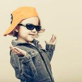 Het kind van de manier Gelukkig jongensmodel Stock Foto