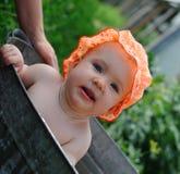 Het kind in zwembad Stock Foto