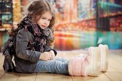 Het kindmeisje van de schoonheid en van de manier royalty-vrije stock fotografie