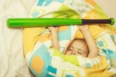 Het kleine baby dromen stock fotografie