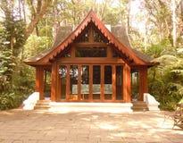 Het kleine huis in de tuin Stock Fotografie