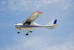 Het kleine Vliegen van het Vliegtuig Royalty-vrije Stock Foto