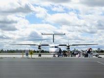 Het kleine vliegtuig inschepen Royalty-vrije Stock Foto's