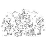Het kleurende Paginaoverzicht van kinderen verfraait de Kerstboom met ornamenten en giften Stock Fotografie