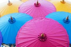 Het kleurrijke art. van de paraplu uitstekende stijl Royalty-vrije Stock Foto's