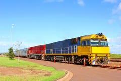 Het kleurrijke Australische Binnenland van de treinaard, Australië Stock Afbeeldingen