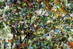 Het kleurrijke document vogels hangen Royalty-vrije Stock Foto's