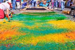 Het kleurrijke geverfte tapijt van de zaagselpalmzondag, Antigua, Guatemala Royalty-vrije Stock Fotografie