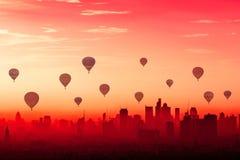 Het kleurrijke hete luchtballons drijven Royalty-vrije Stock Afbeeldingen