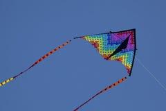 Het kleurrijke vliegen van de Vlieger stock afbeelding