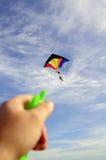 Het kleurrijke vliegen van de Vlieger Stock Fotografie