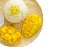 Het kleverige Thaise Dessert van de Mango van de Rijst Stock Afbeeldingen